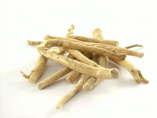 části kořene ajurvédské rostliny Ashwagandha