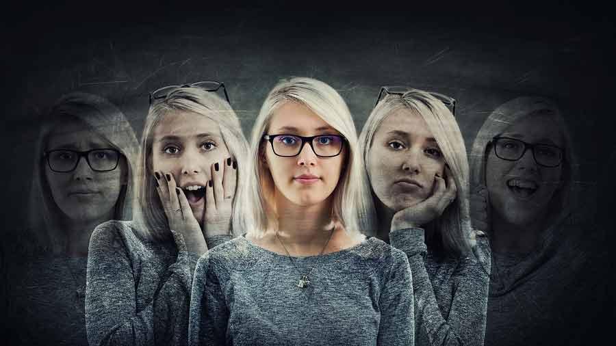obrázek jedné ženy s více náladami