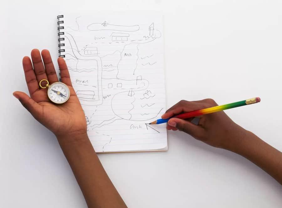 tužkou kreslená mapa do papírového bloku