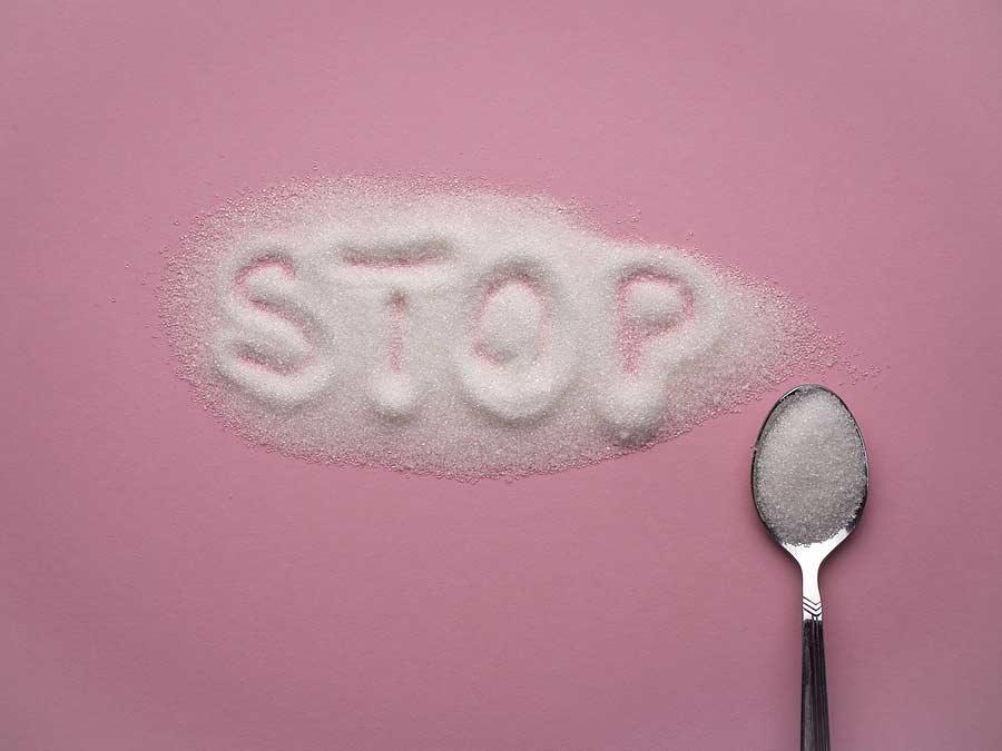 nápis stop z cukru