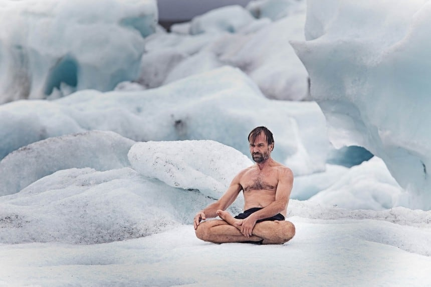 Wim Hof v tureckém sedu na ledovci